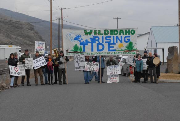 Gathering to march at the tar sands megaload-tardyPort of Wilma (Greg Mack photo)