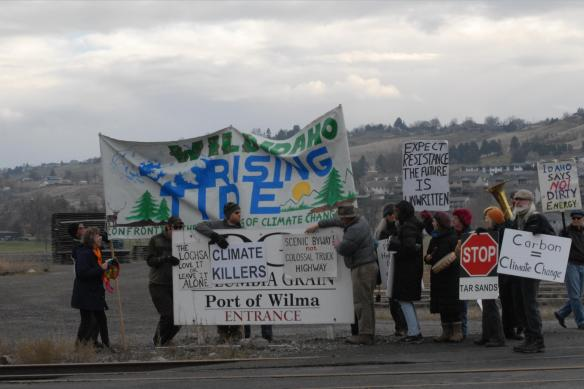Chanting, singing, and drumming at the Port of Wilma (Greg Mack photo)
