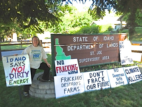 Stop the Frack Attack, Idaho! in Saint Maries (Lori Batina photo)